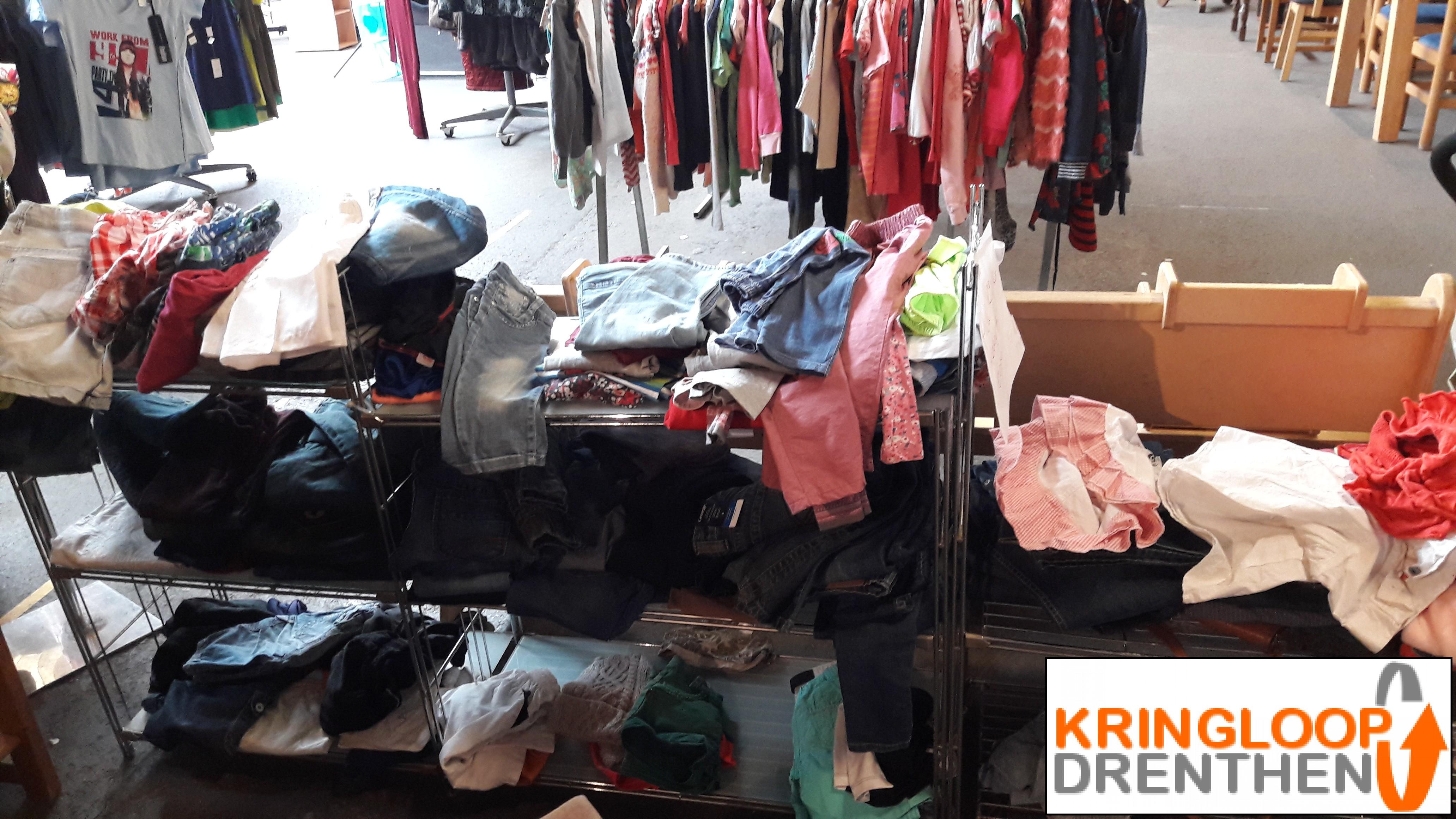 Te Koop Kinderkleding.Te Koop Kinderkleding Kringloop Drenthen